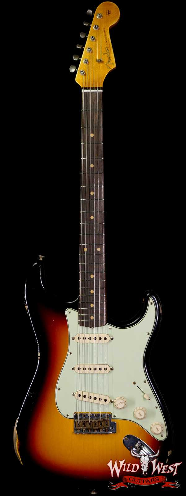 Fender Custom Shop 1962 Stratocaster Relic AAA Rosewood Board with Quartersawn Maple Neck 3 Tone Sunburst